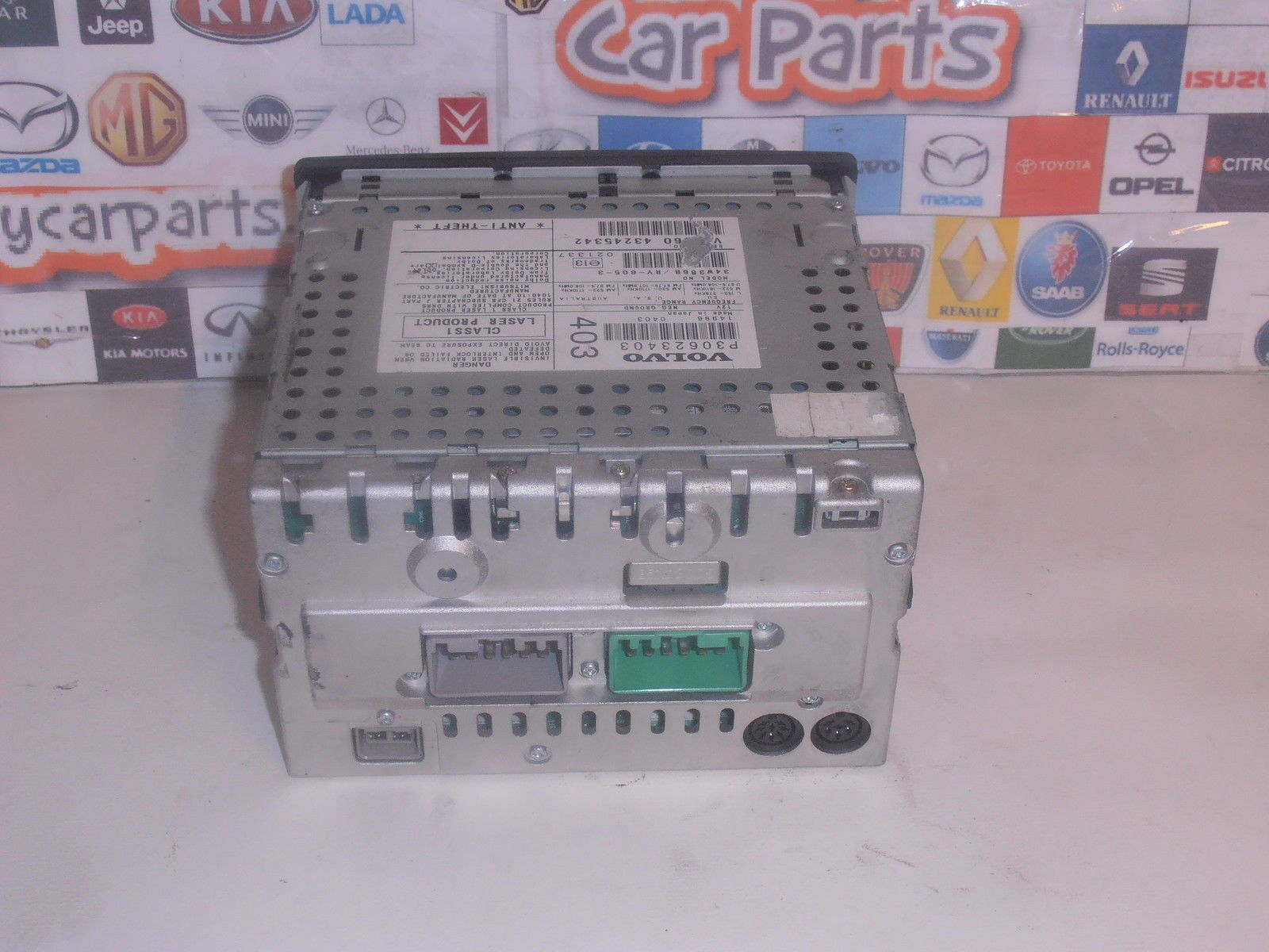 VOLVO S40 V40 96-04 CD PLAYER RADIO TAPE HEAD UNIT HU-655 P30623403 WITH CODE